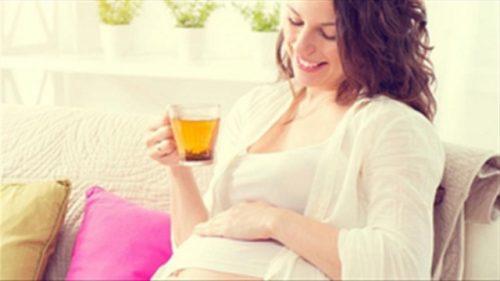 Uống nhiều trà là một thói quen khiến thai nhi chậm phát triển.