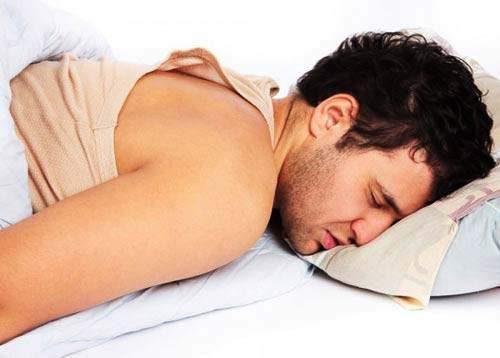 Viêm đường tiết niệu ở nam giới thường gây cho người bệnh cảm giác đau rát, ảnh hưởng nhiều đến sức khỏe và chất lượng cuộc sống