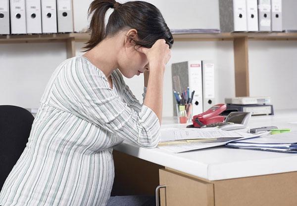 Bị ù tai khi mang thai có nguy hiểm không?