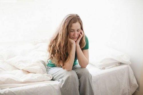 Kinh nguyệt không đều gây ra nhiều bất tiện trong sinh hoạt
