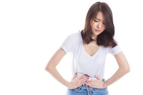 Đau bụng kinh là tình trạng thường gặp ở các chị em mỗi khi đến kỳ nguyệt san.