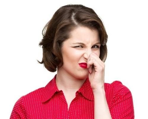 Kinh nguyệt có mùi hôi là bệnh gì?