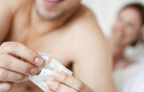Quan hệ dùng bao cao su có tránh được các bệnh xã hội không?