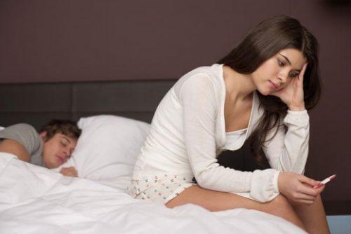 Quan hệ khi đang có kinh nguyệt tuy tỉ lệ thụ thai thấp nhưng vẫn có thể xảy ra.
