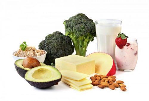 Có chế độ ăn uống khoa học, bổ sung thực phẩm giàu vitamin, sắt... trong kỳ kinh