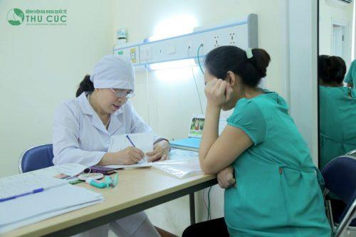 mẹ bầu cần thăm khám, theo dõi thai định kỳ, phát hiện kịp thời những vấn đề bất thường để điều trị sớm.