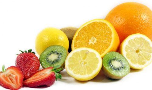 Vitamin C giúp khống chế các virus gây hại, ngăn ngừa chứng bệnh polyp cổ tử cung.