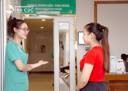 Chị em cần đi thăm khám và tuân thủ đúng chỉ định của bác sĩ để tránh những biến chứng của bệnh.