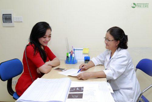 Khi thấy đau bụng dưới không rõ nguyên nhân đau mãi không hết, kinh nguyệt không đều... thì cần đi khám, và điều trị.