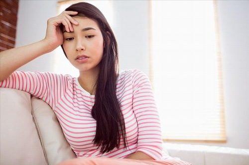 Do rối loạn cảm xúc stress, căng thẳng kéo dài, trầm cảm... có thể là nguyên nhân làm máu kinh nguyệt có màu nâu.