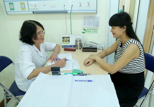 tốt nhất mẹ bầu nên đi khám tìm đúng nguyên nhân để được tư vấn, chỉ định điều trị thích hợp.