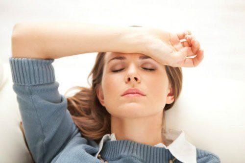 Bệnh u nang buồng trứng có thể gây ra triệu chứng tắc kinh.
