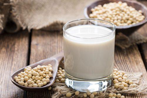 Sữa đậu nành cũng cung cấp một hàm lượng lớn protein, vitamin và các loại khoáng chất rất quan trọng và cần thiết cho thai kỳ.