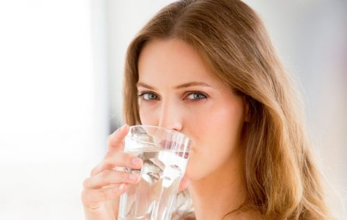 Tăng cường bổ sung nước cho cơ thể.