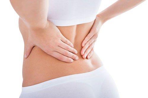 Đau bụng và đau lưng gây mệt mỏi, khó chịu cho người bệnh.