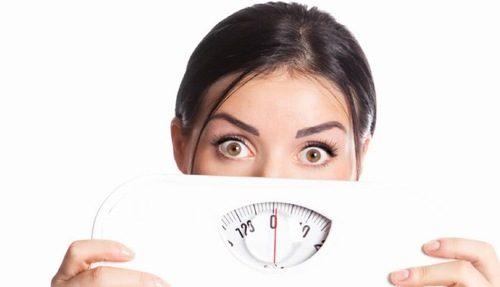 Uống thuốc tránh thai hàng ngày sẽ tăng cân là một hiểu lầm của chị em.