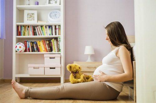 Nếu xuất hiện cơn đau bụng, gò cứng bụng cần đi khám ngay