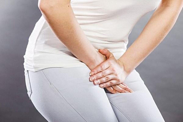 Nhiễm trùng đường tiểu triệu chứng thế nào?