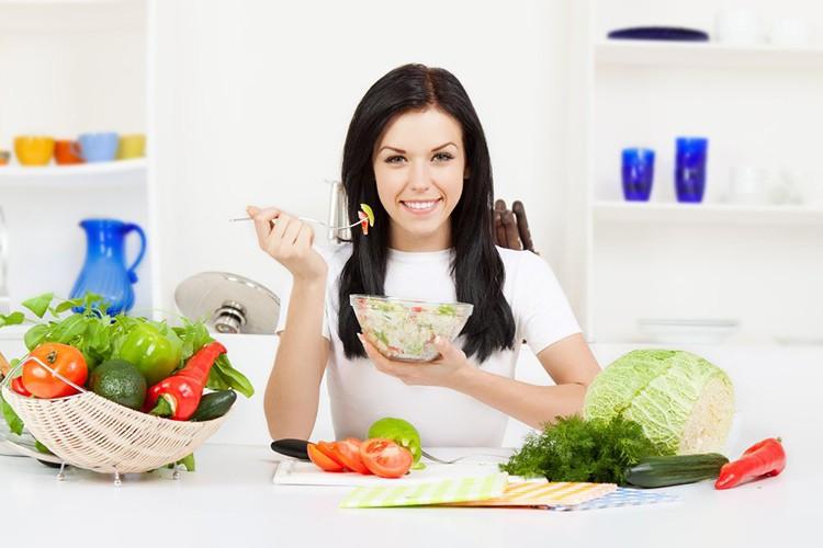 Viêm lộ tuyến cổ tử cung nên ăn gì, kiêng ăn gì?