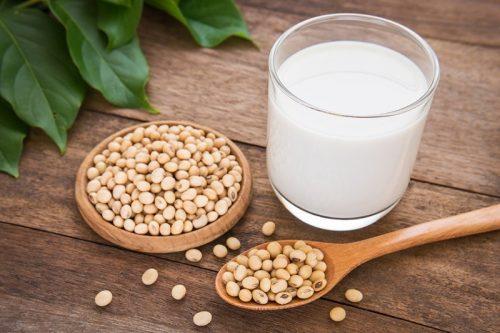 Bị buồng trứng đa nang có được uống sữa đậu nành không?