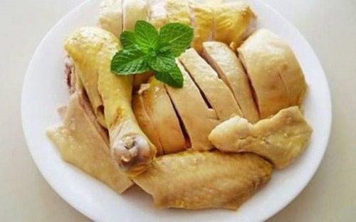 Thịt gà là loại thực phẩm bổ dưỡng với hàm lượng dinh dưỡng cao