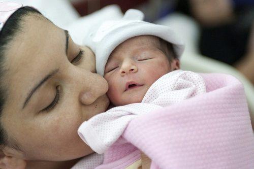 Sinh thường và sinh mổ phương pháp nào tốt hơn?