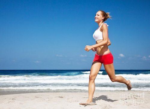 Vùng sinh dục có tuyến mùi, khi vận động nhiều, cùng với mồ hôi của cơ thể sẽ gây nên mùi nồng.