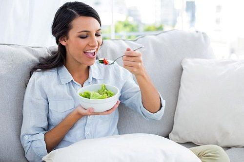 trước sinh mổ cần có chế độ ăn uống hợp lý cho mẹ sinh mổ