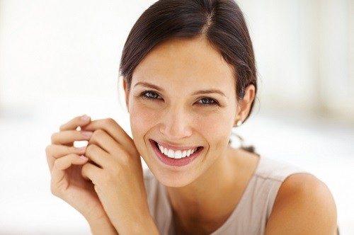 Khám sức khỏe sinh sản nữ gồm khám lâm sàng và cận lâm sàng.