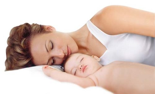 Nên tái khám sau sinh để biết tình trạng sức khỏe.