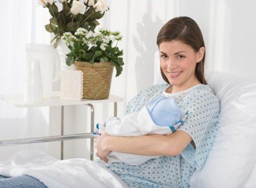 Tái khám 4 - 6 tuần sau sinh để kiểm tra tình trạng sản dịch.