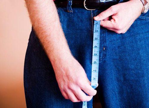 Chiều dài dương vật khi cương nhỏ hơn 7cm ở người bị hội chứng dương vật nhỏ