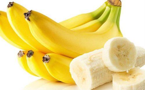 Chuối chưa nhiều vitamin c cung cấp cho cơ thể mẹ sau sinh
