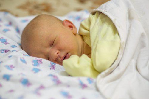 Nguy cơ về bệnh vàng da, bệnh về hô hấp ở trẻ sau sinh