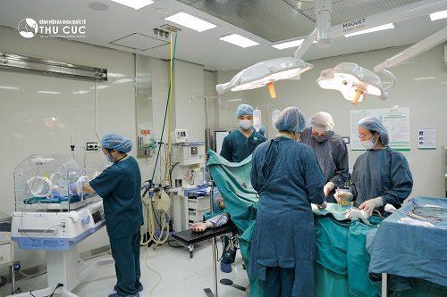 Sinh mổ chủ động cần sự đồng ý của sản phụ và bác sĩ